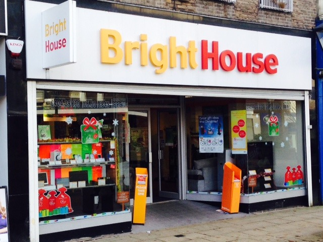 BrightHouse to close stores
